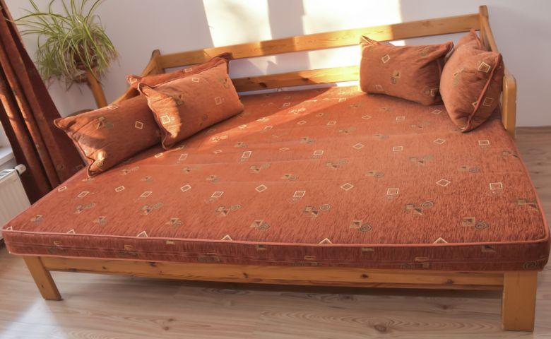 Nyitható kanapé a Szabolcs utcában - Referenciáink